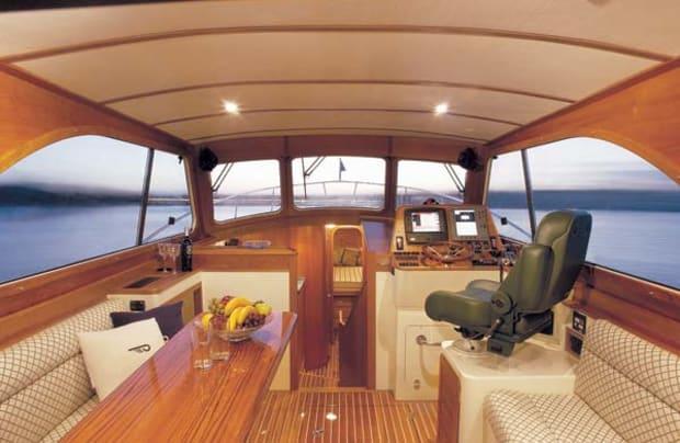 hinckley44-yacht-g3.jpg promo image