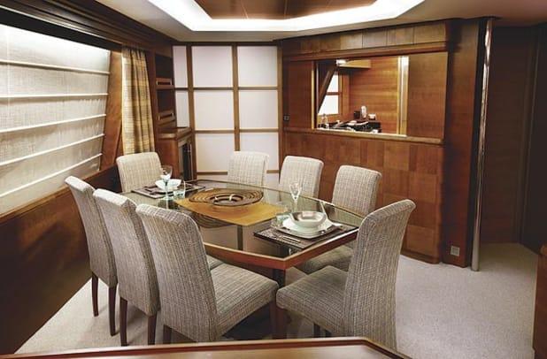 azimut85-yacht-g1.jpg promo image