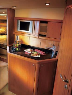 sunseeker37-yacht-g1.jpg promo image