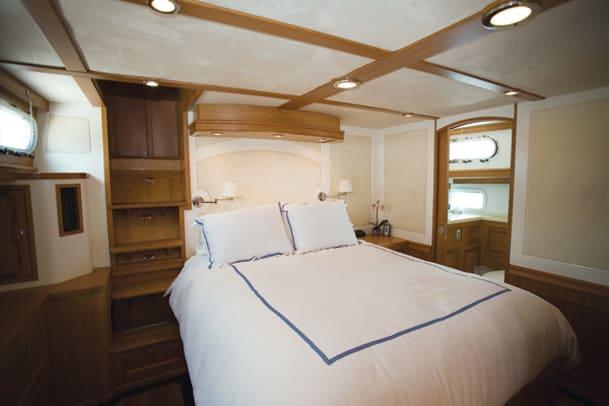 hood50-yacht-g13.jpg promo image