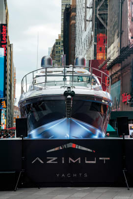 Azimut in Times Square9