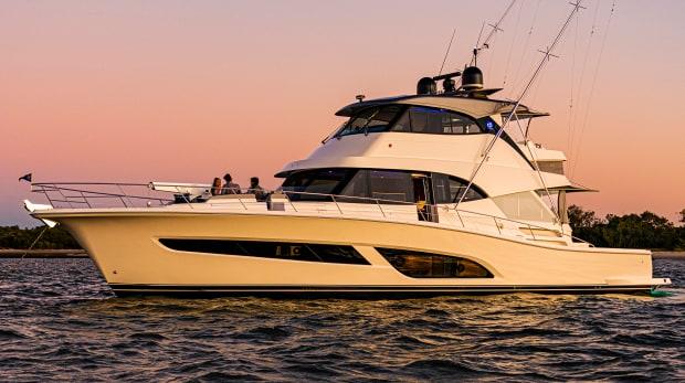 Avis sur le Riviera 64 Sports Motor Yacht