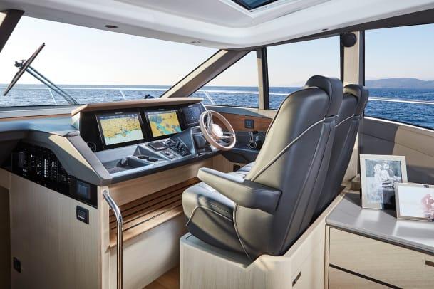 a-v60-interior-helm-alba-oak-satin