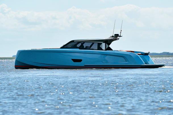 Examen du yacht à moteur Vanquish VQ58