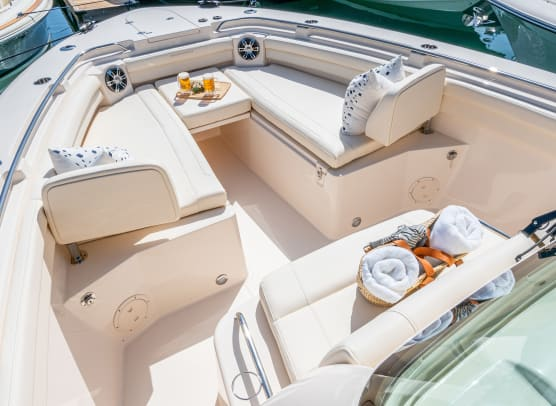 5-5356_canyon-336-grady-white-33-foot-center-console-bow-overall
