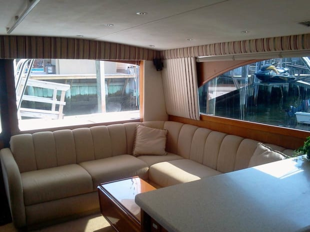 Ocean 48 Super Sport - Used Boat Review - Power & Motoryacht