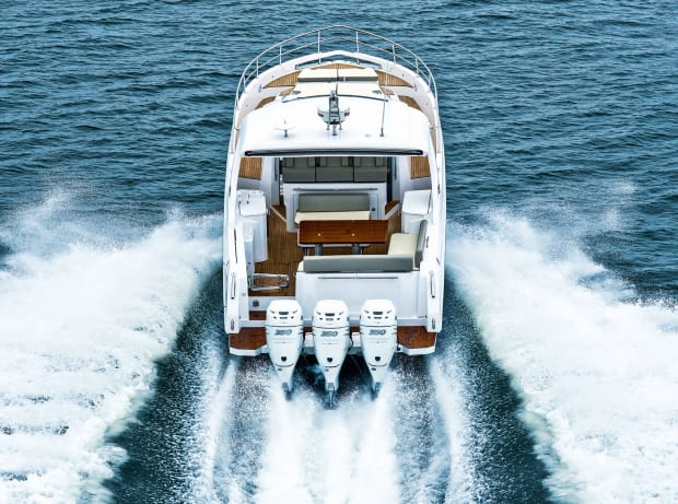 Digital, Fuel-Efficient Outboards for Your Boat - Power