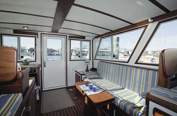 38wilbur-yacht-g2.jpg promo image