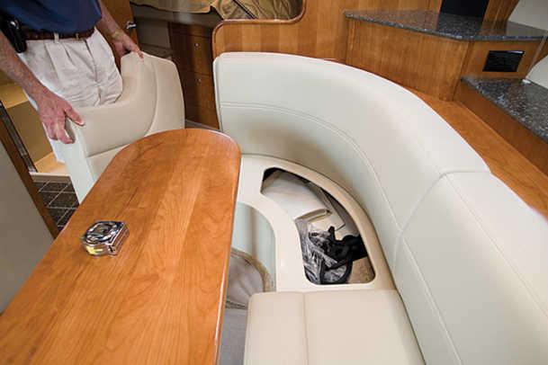 390coupe-yacht-g8.jpg promo image
