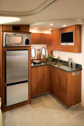 390coupe-yacht-g11.jpg promo image
