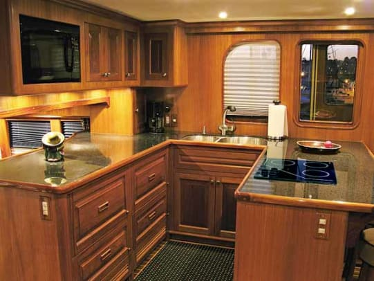 mikelson5963-yacht-g6.jpg promo image