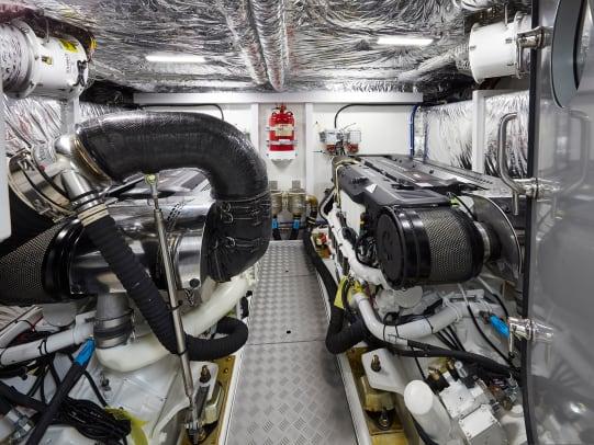 62-interior-engine-room