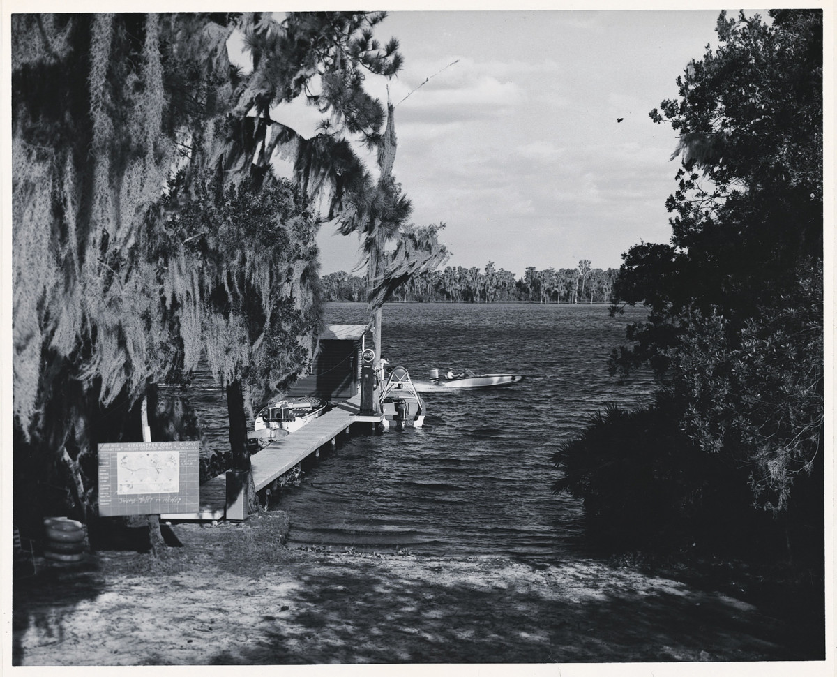 The dock at Lake X had a paradisiacal look back in the day. Merc would later add a lagoon with boathouse and a shoreside observation tower.