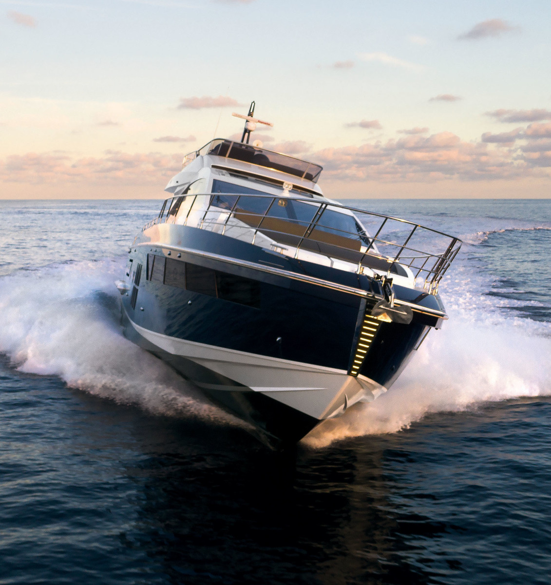 Tested: Azimut's carbon-fiber-filled S7