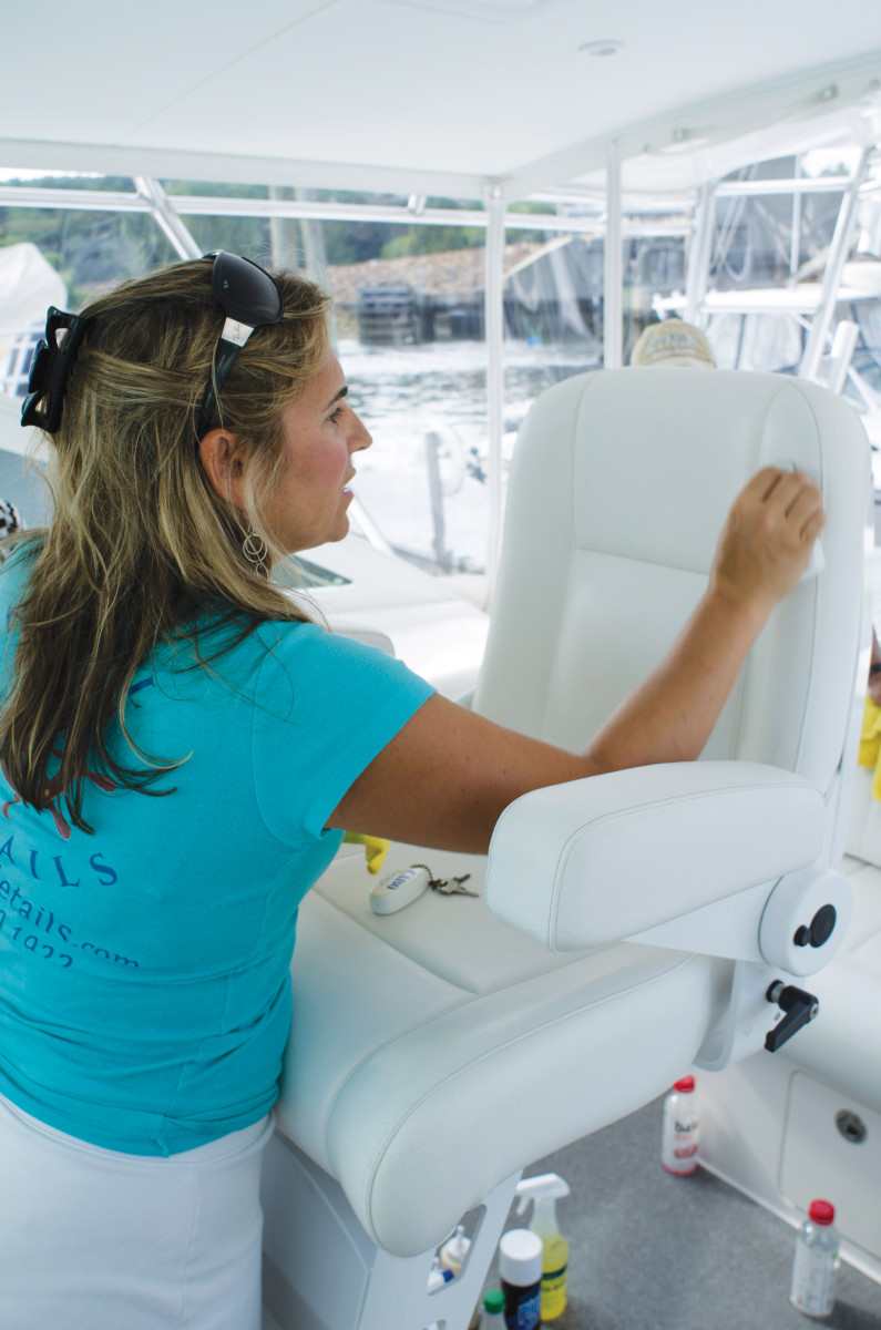 01-Boat-Cleaning-Girl-7