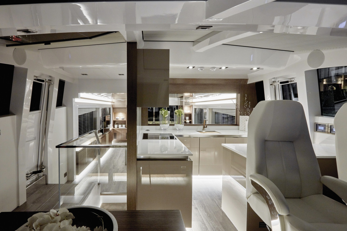 02b-Pearl 80_interiors