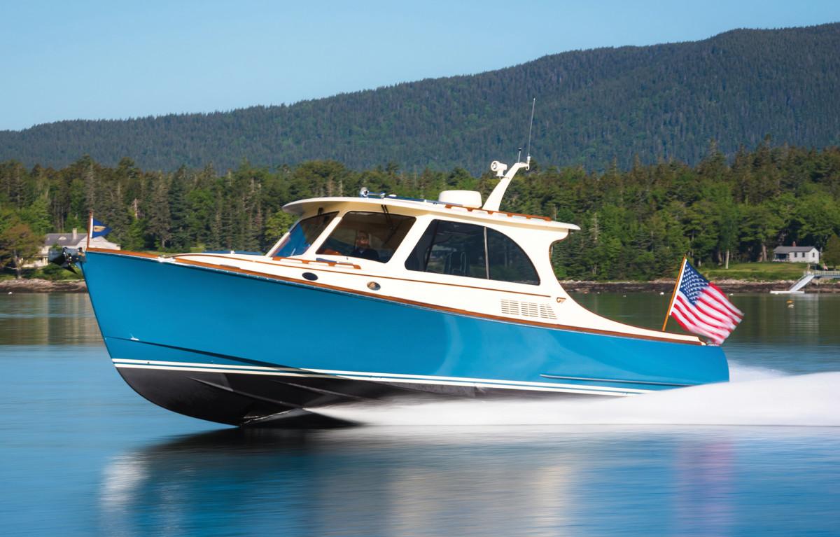 18-Hinckley Picnic Boat 40-lg