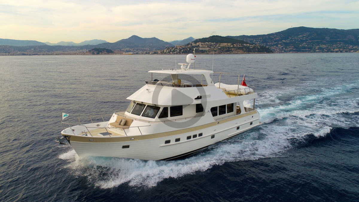 Outer Reef 630 Motoryacht Video