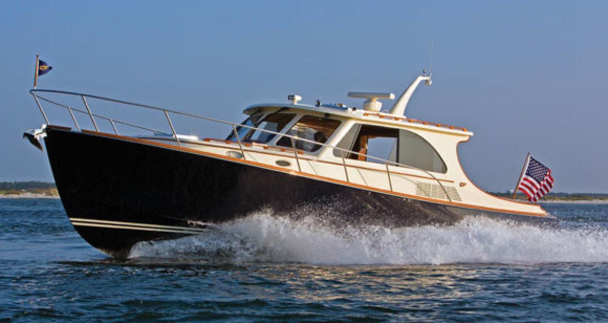 hinckley talaria  power motoryacht
