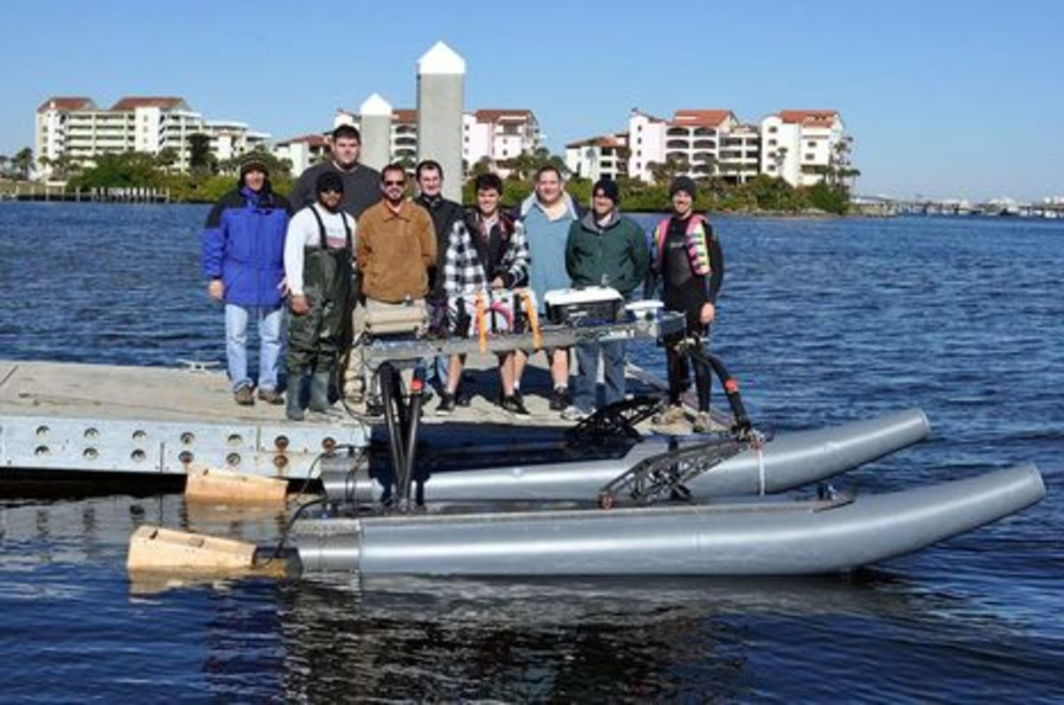 Embry-Riddle RobotX Team courtesy RAFR.jpg