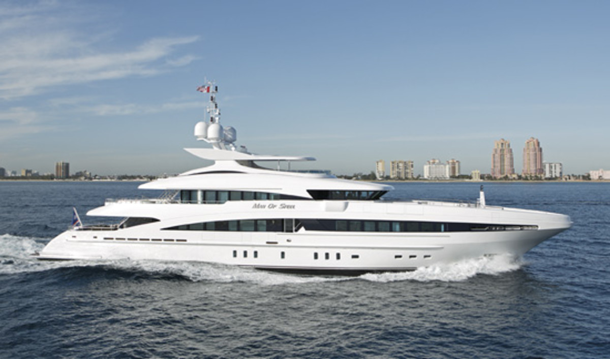 America's 100 Largest Yachts 2009 Page 4 - Power & Motoryacht
