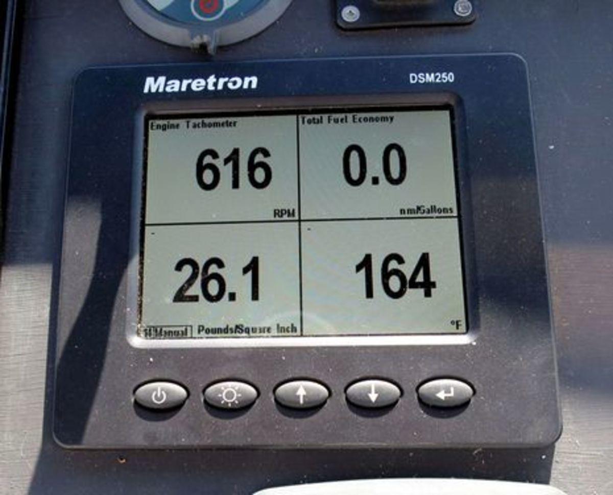 Maretron_DSM250_Fuel_Economy_cPanbo.jpg