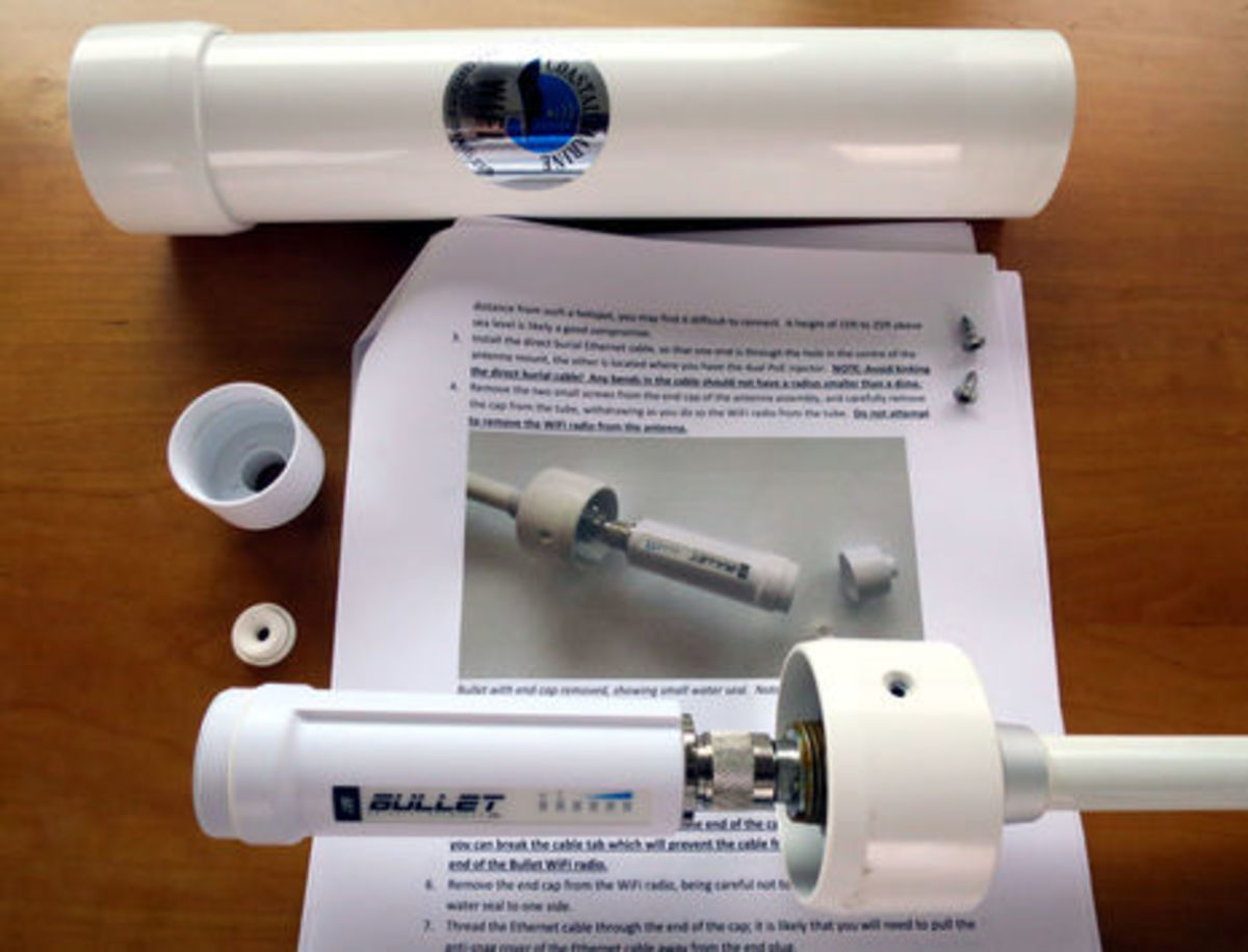 Coastal_Marine_WiFi_antenna-Bullet_detail_cPanbo.jpg