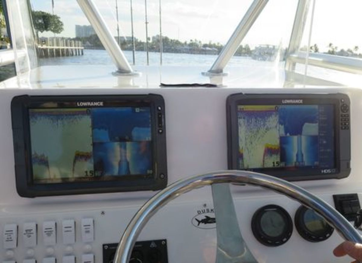 Lowrance_HDS_Gen2_Touch_and_Gen3_cPanbo_.jpg