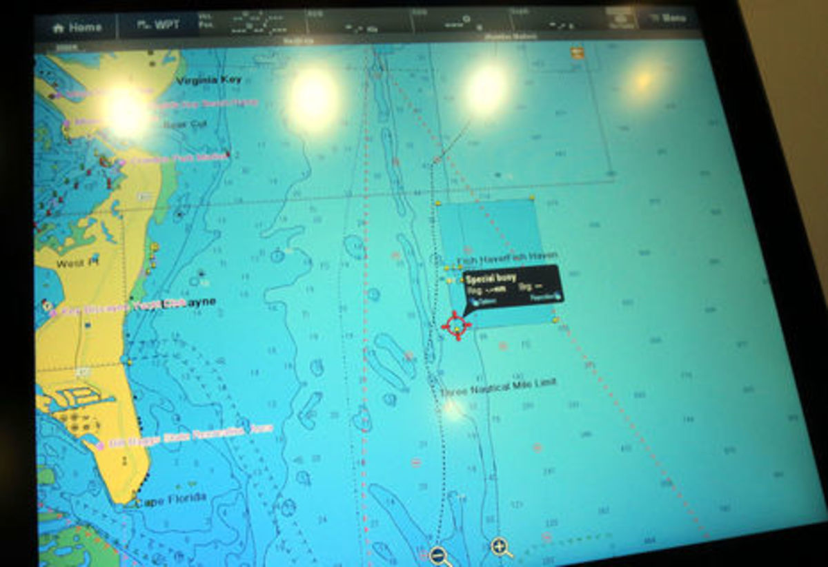 MIBS2015_Raymarine_C-Map_4D_vector_and chart_query_cPanbo.jpg