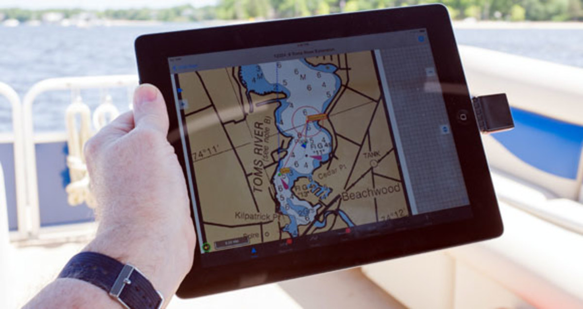 Piloting Your Boat by iPad - Power & Motoryacht