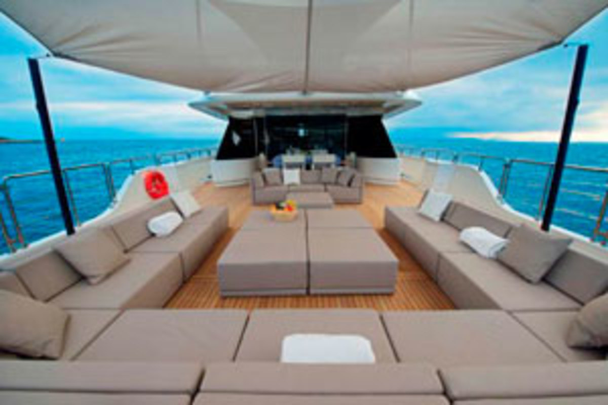 Top deck of the Oceanic 90