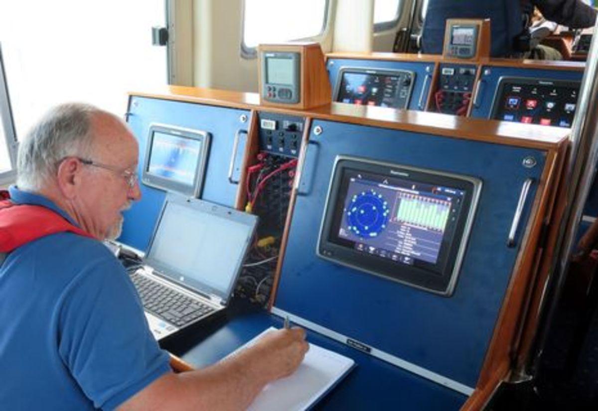 testing_a12_GPS_aboard_Raymariner_cPanbo.jpg