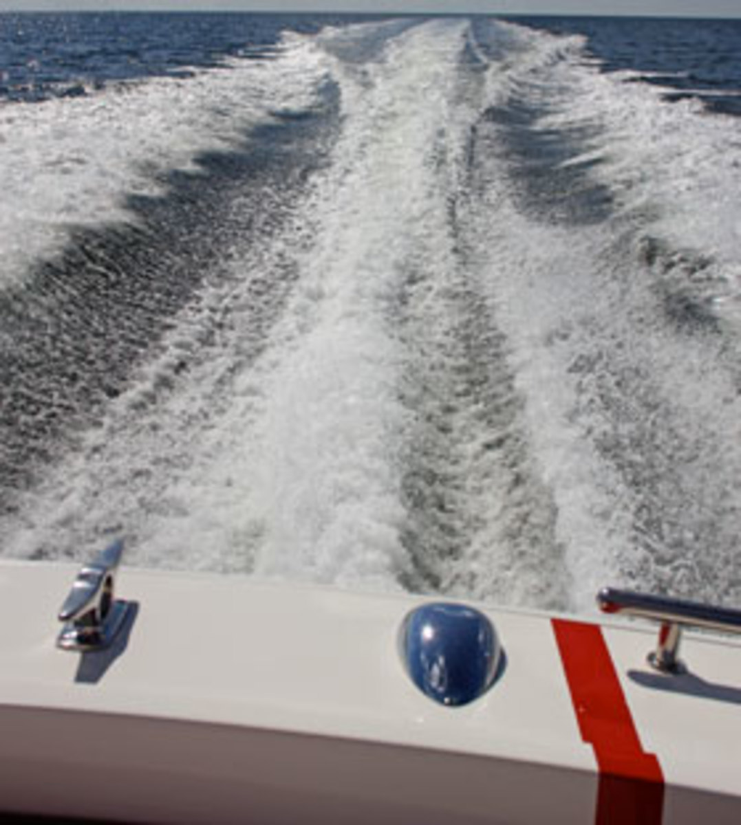 speedboat wake