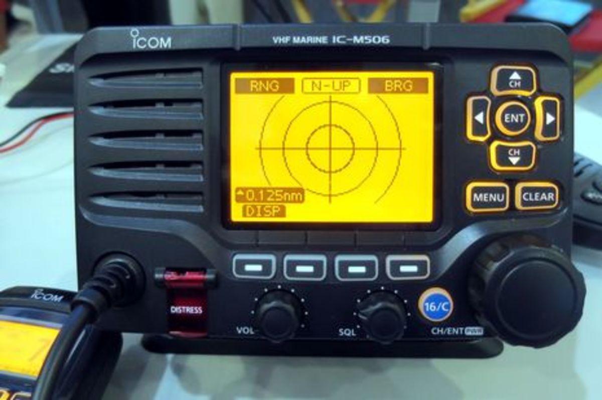Icom_M506_fullscreen_AIS_cPanbo.jpg