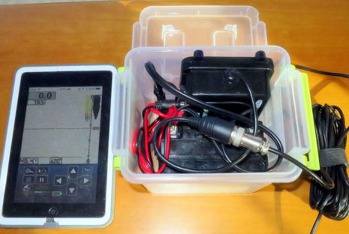 Vexilar_T-Box_SP200_portable_setup_cPanbo.jpg