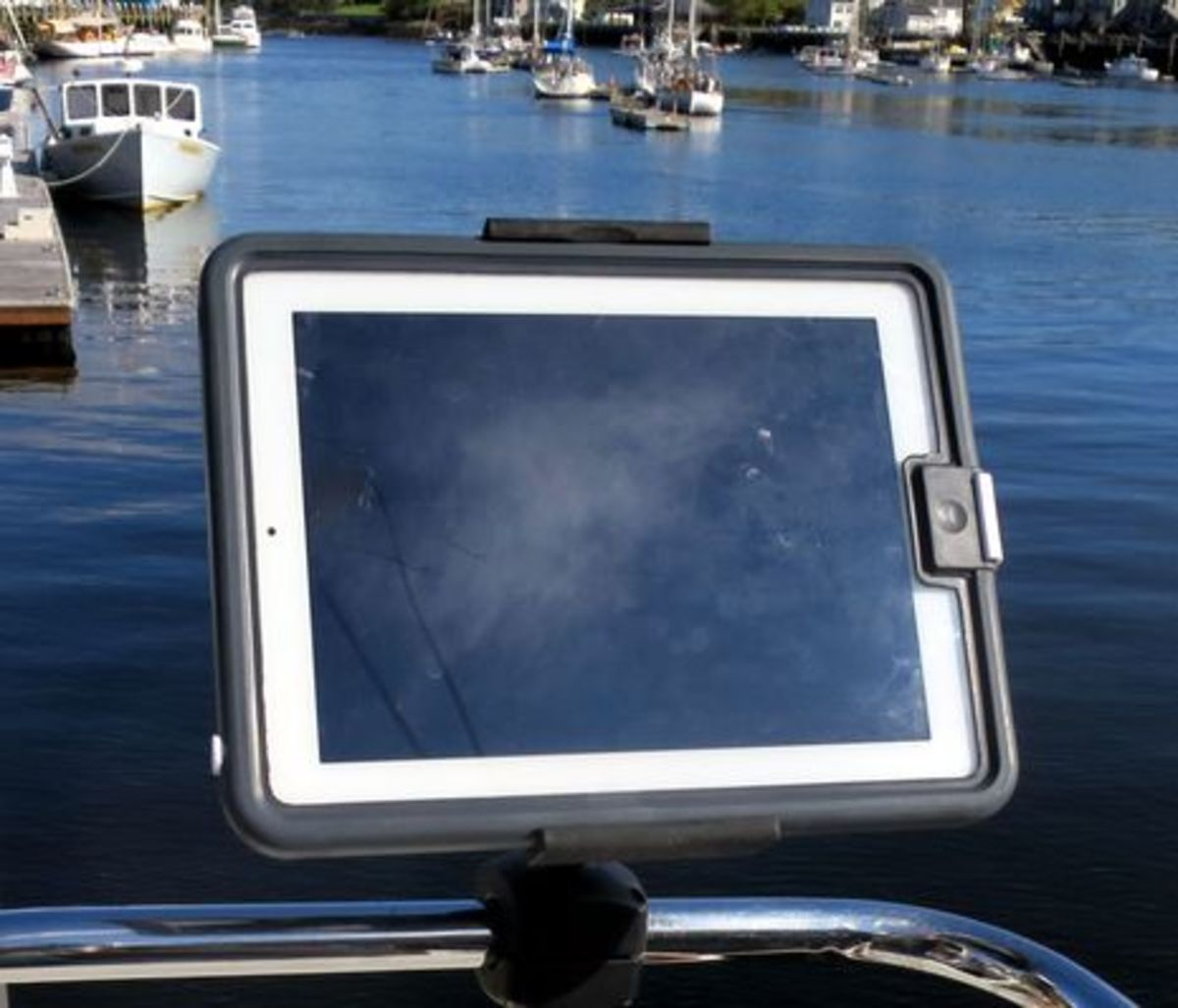 Livedge_iPad_gen2_case_Rokk_mounted_cPanbo.jpg
