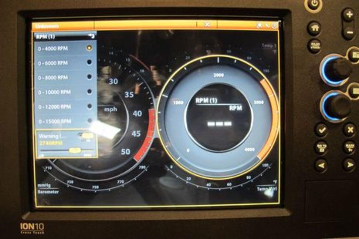 Humminbird_Ion_10_gauge_controls_cPanbo.jpg