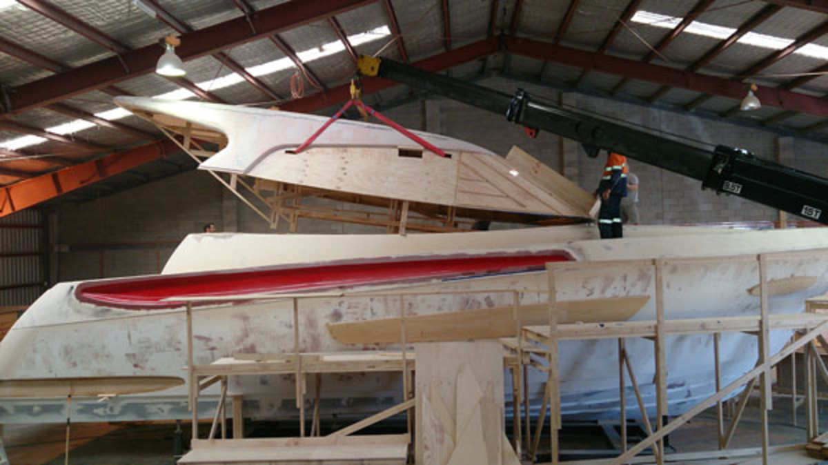 Elandra 5 Sports Yacht hardtop