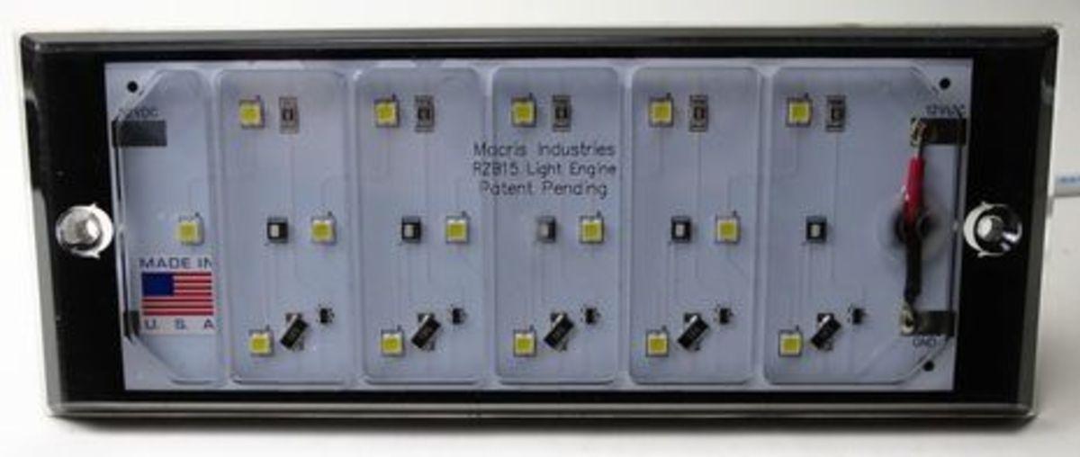 Macris_MIU15_underwater_LED_cPanbo.jpg