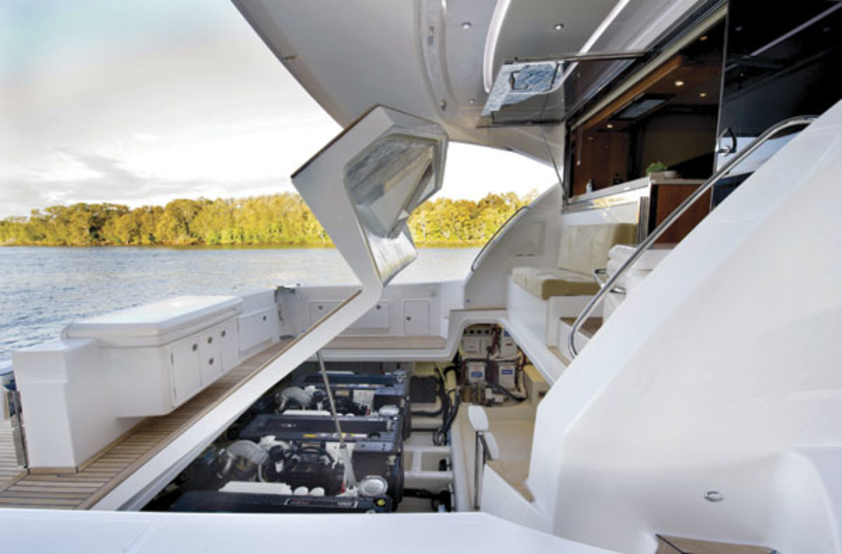 Enclosed-Flybridge Engine Access