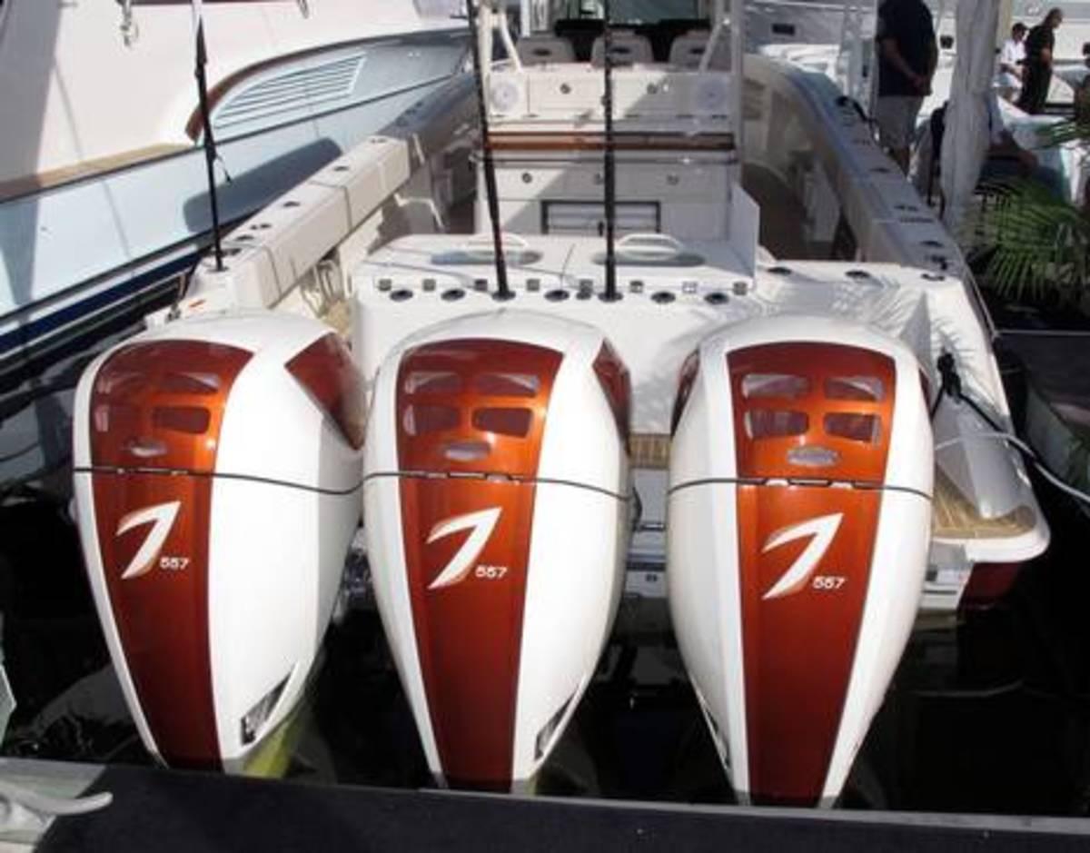 FLIBS13_triple_7_557hp_outboards_cPanbo.jpg