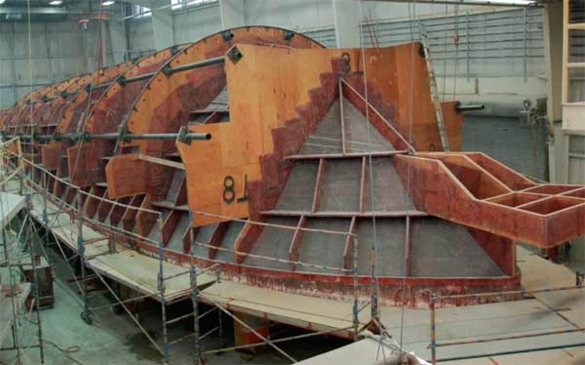 Viking 92 hull