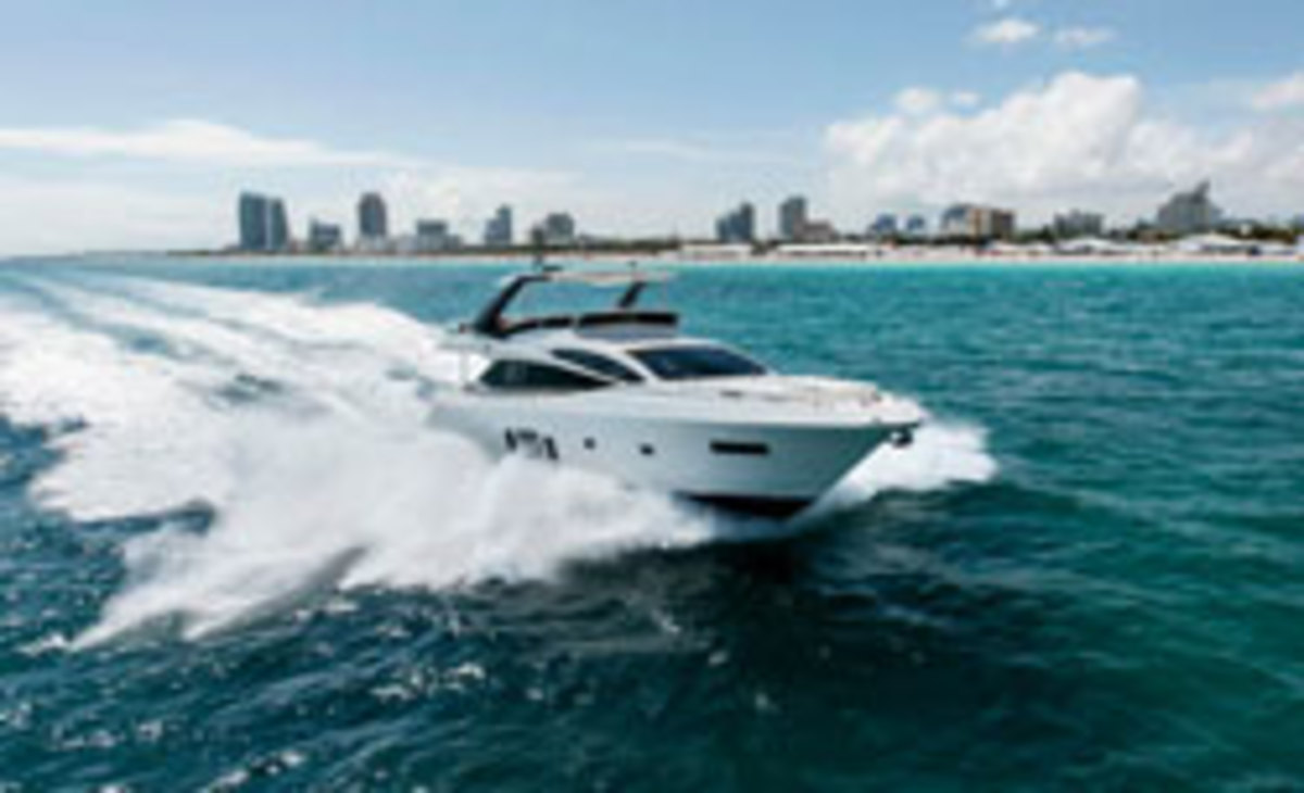 Click here to see more photos of the Astondoa 72 GLX