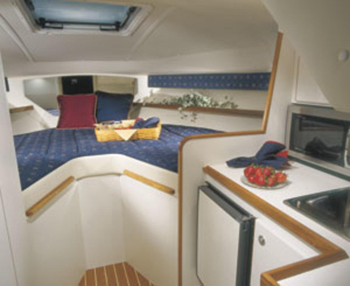 Tiara 2900 Coronet interior