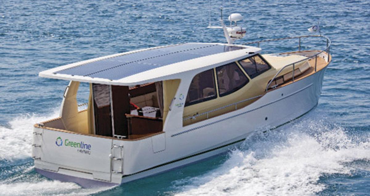 Greenline 33 hybrid yacht