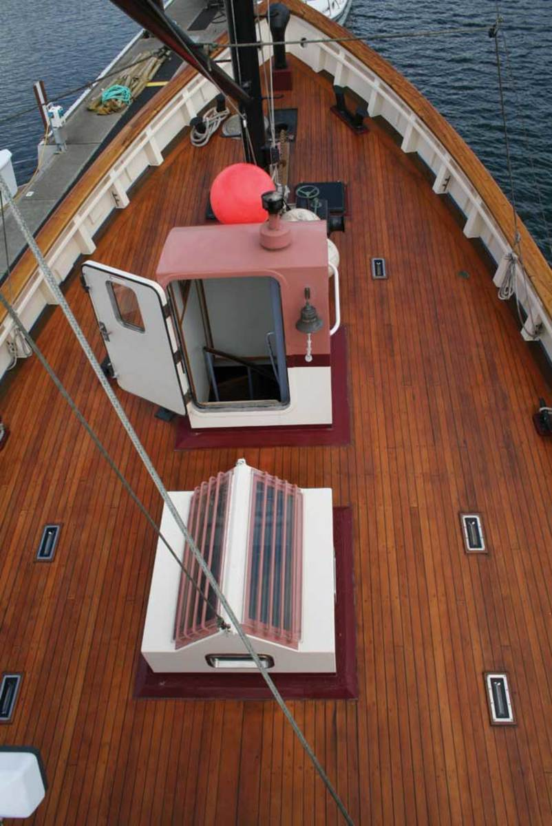 Boat Conversion from a Fishing Vessel to a Yacht - Power
