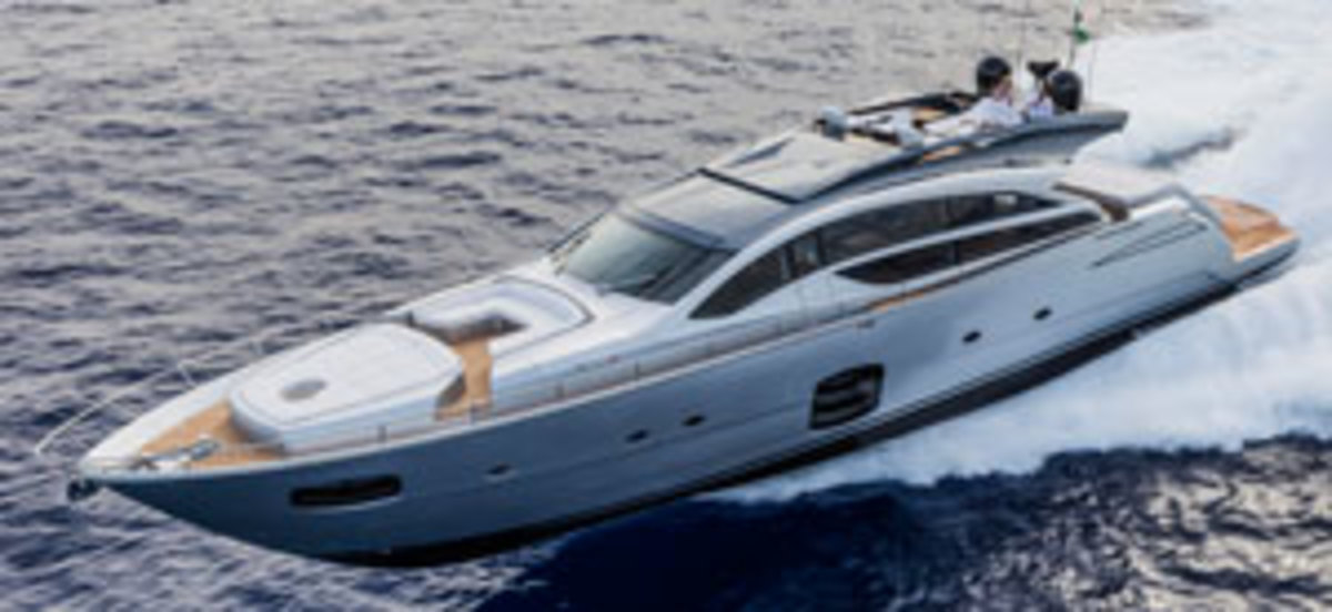 Click here to see more photographs of the Pershing 82