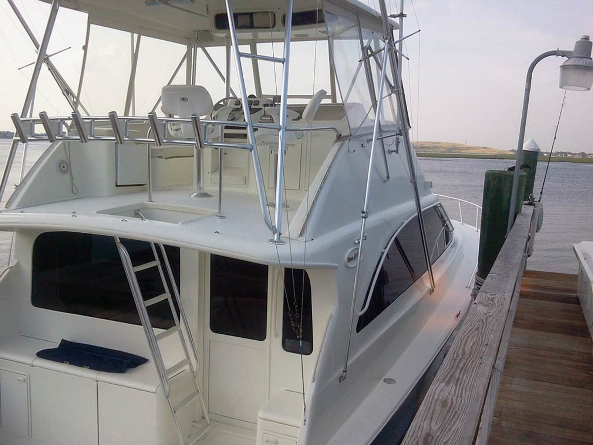 Ocean 48 Super Sport - aft view