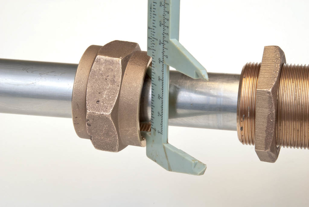 Measuring the inside diameter of the packing nut or gland