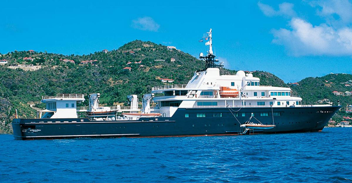 Click to enlarge image - Megayacht Le Grand Bleu